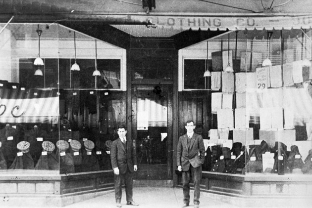 Big 4 Clothing Company run by the Shapiro Brothers on South Water Street, c. 1912