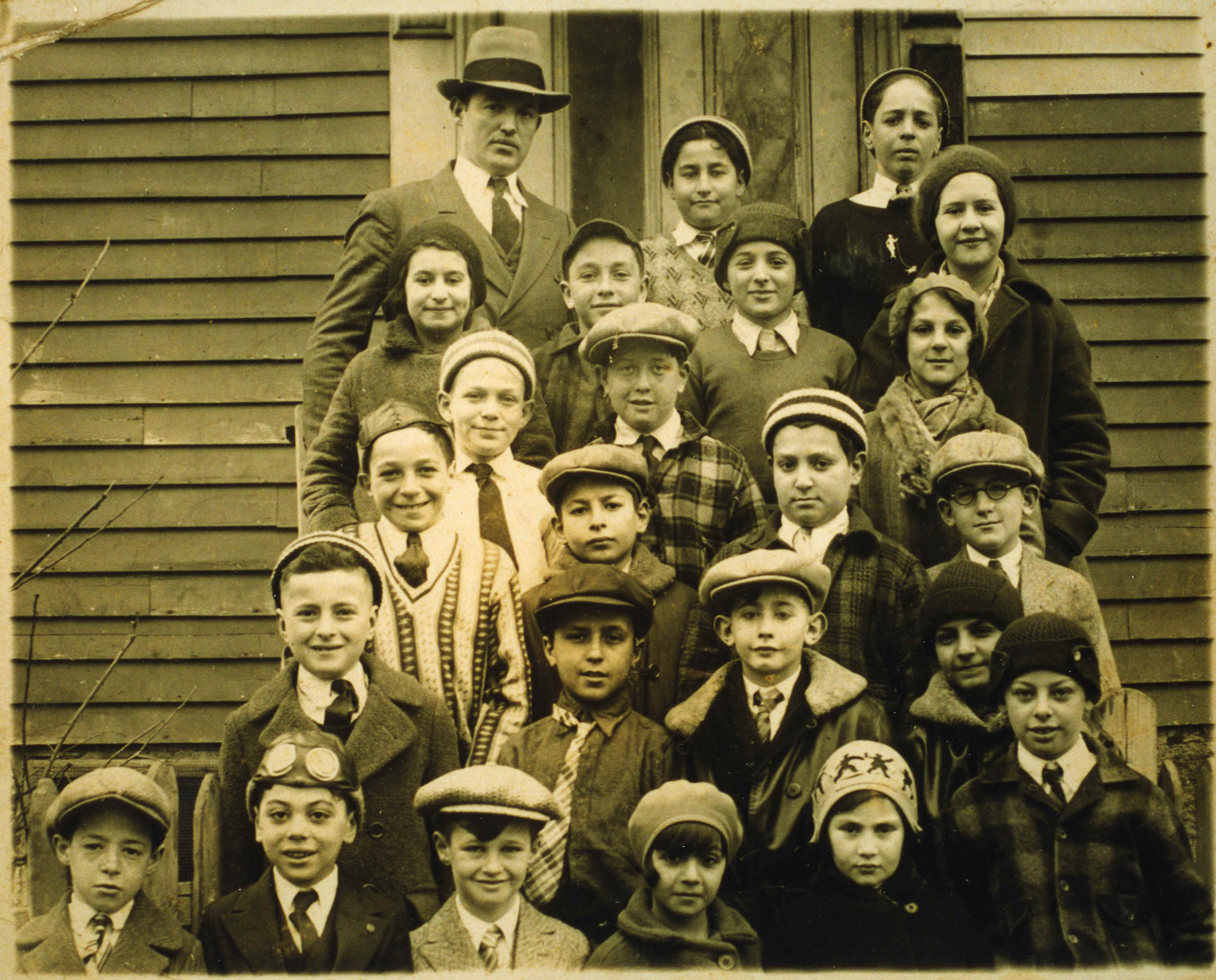Chesed Shel Emes Hebrew class, 1929-1930