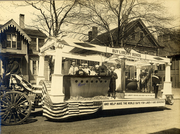 Liberty Bond Float, 1915