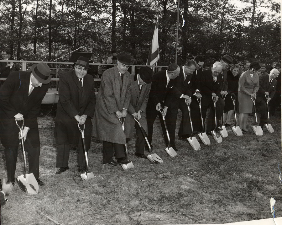 Groundbreaking for the new Tifereth Israel, October 12, 1964